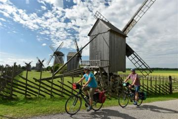 Top! 11-day guided bike tour of the Baltics: Lithuania - Latvia - Estonia