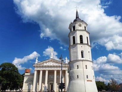 Bike Tour of Vilnius Highlights: Iconic Landmarks & Hidden Gems