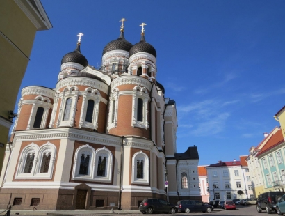 New! 2020 - Cycling from Riga to St. Petersburg: Latvia-Estonia-Russia (11 days, self-guided supported bike tour)